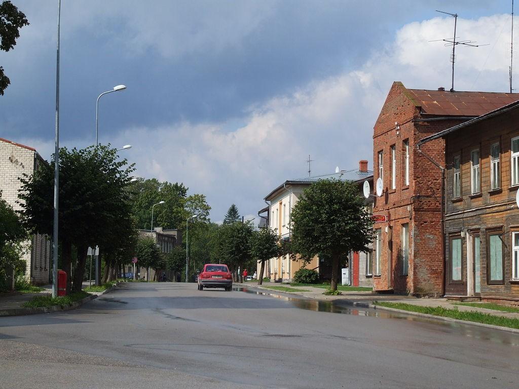 1024px-Mazsalaca_(Salisburg)_-_street